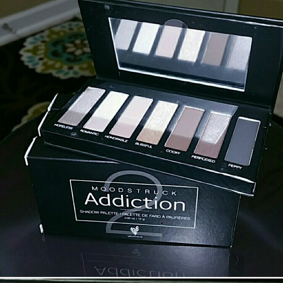Younique Other - Younique eyeshadow palette